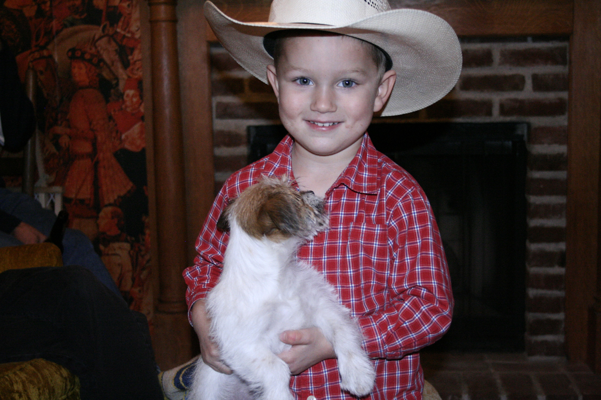 This is my cousin Chet's little boy Kade, he thought Rudy was pretty cool.